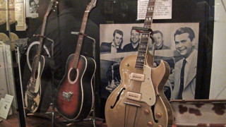 Elvis with Sam Phillips at Sun Studios